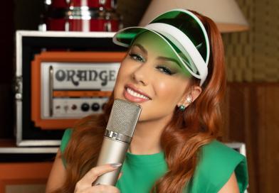 """Cantora Erikka alcança mais de 11 milhões de plays com """"Piscadinha"""", antes de lançá-la e adianta todas as novidades de sua nova música"""